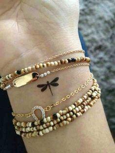 Libelula tatuaje pulsera