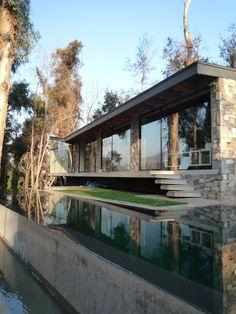 House in Cerro de Lo Curro, Santiago, Chile by Schmidt Arquitectos