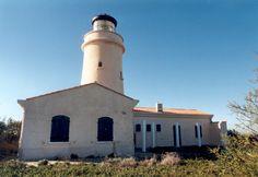 Méditerrannée - Phare du Grand-Ribaud, Hyères (Var)  - Coordonnées 43° 00′ 59″ N / 6° 08′ 38″ E - Feux : 4 éclats/15 s