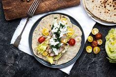 RECEPT: Tortilla s masem a chia semínky - Bezhladoveni.cz Quiche, Tacos, Mexican, Breakfast, Ethnic Recipes, Fitness, Morning Coffee, Quiches, Mexicans