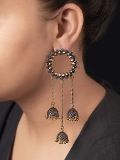 Intricately handcrafted Earrings ensured to give a contemporary traditional look. Indian Jewelry Earrings, Indian Jewelry Sets, Silver Jewellery Indian, Jewelry Design Earrings, Gold Earrings Designs, Ear Jewelry, Silver Earrings, Silver Jhumkas, Hoop Earrings