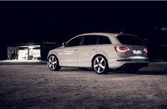 "Audi Q7, lowered w/ 22"" wheels......"