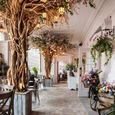 We love this restaurant in Liverpool, The Florist! Florist Shop Interior, Restaurant Interior Design, Schönheitssalon Design, Cafe Design, Design Ideas, Deco Restaurant, Restaurant Lighting, Flower Cafe, Flower Shops