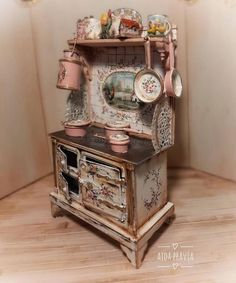 Hand Painted Furniture, Paint Furniture, Miniature Kitchen, Miniature Dolls, Miniature Furniture, Dollhouse Furniture, Diy Dollhouse, Dollhouse Miniatures, Vintage Decor