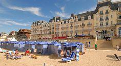 Grand Hôtel et plage de Cabourg © Patrice Le Bris