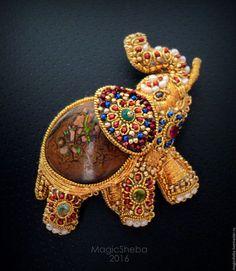 Броши ручной работы. Ярмарка Мастеров - ручная работа. Купить Брошь Индийский Слон с опалом, талисман, вышивка золотом. Handmade.