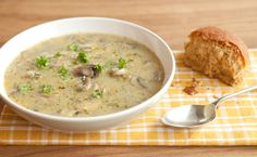 Mushroom Barley Soup - I think I'll substitute the barley with quinoa Epicure Recipes, Lunch Recipes, Crockpot Recipes, Soup Recipes, Cooking Recipes, Vegetarian Recipes, Mushroom Barley Soup, Stuffed Mushrooms, Stuffed Peppers