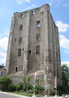 Donjon, château et ville forte de Beaugency, XIe, XVe siècle.