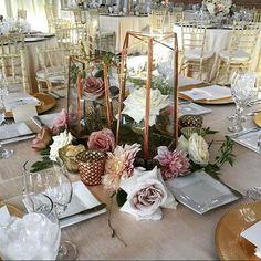 In love with this set up! #regram @goddessofbaking #weddings #centerpieces #linens #decor #instawedding #weddingwednesday #florals #gold #rentals #conceptseventdesign #organicelements #culinaryconcepts #bricksd #creativeaffairsinc
