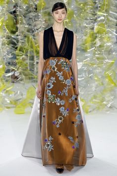 See the complete Delpozo Fall 2016 Ready-to-Wear collection.