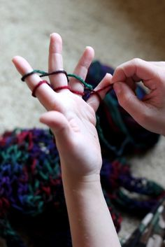 im gonna try to make some sort of blanket by finger knitting cool -great for days when you have nothing to do and all you need is string or yarn to make thicker in texture projects