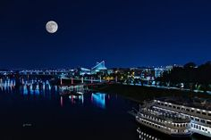 The Moon over Chattanooga, TN