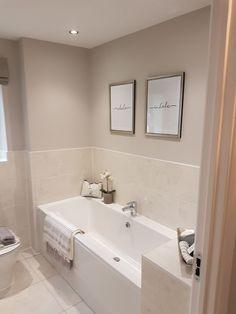 Cosy Bathroom, Bathroom Layout, Small Bathroom, Home Room Design, Home Interior Design, Modern Small House Design, Grey Bedroom Decor, Bathroom Design Luxury, Upstairs Bathrooms