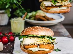 Sweet And Salty, Something Sweet, Salmon Burgers, Tofu, Food Art, Food Photography, Clean Eating, Lunch, Bread