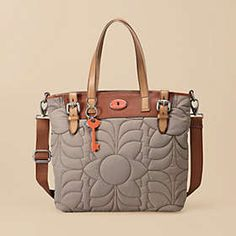 I walked into the Fossil store the other day and fell in love with everything! Like this bag...