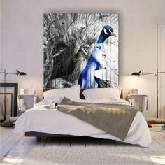 The peacock is one of the most majestic birds in the world, long feathers of pupae, enchanting in many colors. Peacock Feathers, Canvas Pictures, Colorful Pictures, Bed, Artwork, Furniture, Home Decor, Colorized Photos, Work Of Art