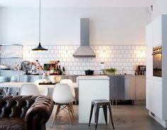 home, interior design, white walled home, kitchen, dining room Deco Design, Küchen Design, House Design, Design Concepts, Book Design, Design Ideas, Graphic Design, Room Inspiration, Interior Inspiration