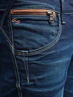 mens jeans women -- Click VISIT above for more options Denim Fashion, Fashion Pants, Denim Ideas, Denim Jeans Men, Jeans Women, Jeans Style, Menswear, Couture, Men's Denim
