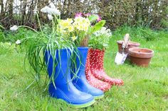 Weekend DIY project – Welly boot plant pots | Cassiefairy - My Thrifty Life
