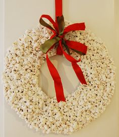 Christmas Popcorn Wreath - 23 Great DIY Christmas Wreath Ideas