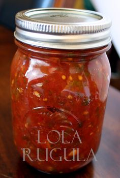 Best Tomato Recipes lola rugula chunky salsa canning recipe - We've been blessed with a continued spell of warm weather here in Northern Illinois, but this trend is bound to take a turn soon. My tomato plants are still producing (as are my peppers, eggp… Tomato Salsa Canning, Canning Homemade Salsa, Salsa With Canned Tomatoes, Salsa Canning Recipes, How To Peel Tomatoes, Canning Tomatoes, Canning Tips, Growing Tomatoes, Pickled Peppers Canning Recipe