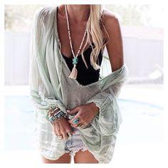 ╰☆╮Boho chic bohemian boho style hippy hippie chic bohème vibe gypsy fashion indie folk the . Boho Gypsy, Gypsy Style, Bohemian Style, Bohemian Fashion, Bohemian Jewelry, Ibiza Style, Bohemian Outfit, Modern Hippie Style, Ibiza Fashion