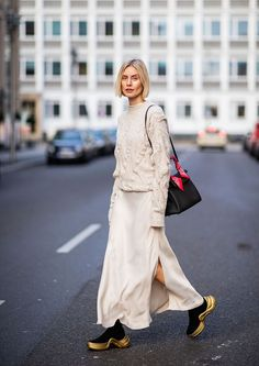 BERLIN, GERMANY - NOVEMBER Lisa Hahnbueck is seen wearing Joseph knit, silk dress Mango, sneaker boots Louis Vuitton Cruise Hermes bag on November 2018 in Berlin, Germany. (Photo by Christian Vierig/Getty Images) Japan Fashion, India Fashion, Flat Shoes Outfit, Shoes Heels, Fall Outfits 2018, Maxi Skirt Black, Maxi Skirts, Ootd, Straight Dress