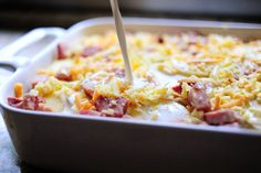 Scalloped Potatoes and Ham By: The Pioneer Woman Tried it - it was great! Comfort food at its finest! Definitely not lo-cal Pioneer Woman Scalloped Potatoes, Scalloped Potatoes And Ham, Casserole Dishes, Casserole Recipes, Pork Recipes, Cooking Recipes, Recipies, Free Recipes, Main Dishes