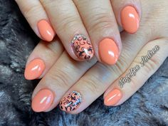 Apricot Nägel mit Stempel und Strasssteinchen Nails, Beauty, Nail Studio, Stamps, Nice Asses, Finger Nails, Ongles, Beauty Illustration, Nail