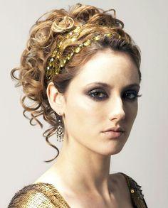 greek goddess makeup and hair This hair style reminds me of a Greek Goddess Greek Goddess Hairstyles, Grecian Hairstyles, Fancy Hairstyles, Wedding Hairstyles, Greek Hairstyles, Wedding Updo, Gossip Girl Hairstyles, Ball Hairstyles, Gorgeous Hairstyles