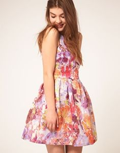 Enlarge ASOS Lantern Dress in Darling Buds Print $110.00 THIS DRESS IS PERFECT.