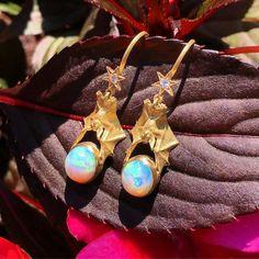 Diurnal Bats come bearing #Opal gifts #bats #opals #ethiopian
