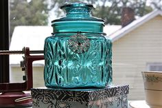 How to make glass jars look like antiques