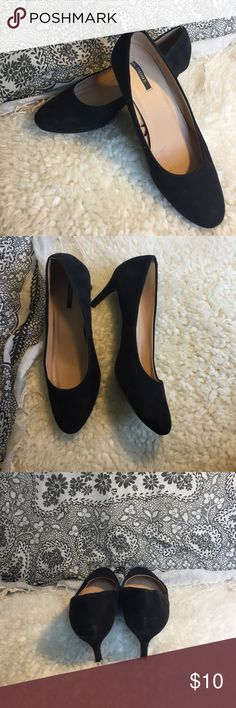Black Heels Forever21 Black heels. Perfect for a night out or job interview. Less than 2 inch heel. Forever 21 Shoes Heels