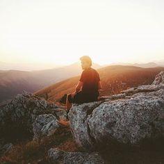 Let's go with the flow, wherever it goes. We're more than alive.  #Abruzzi #Abruzzo #Italy #Italia #WhatItalyIs #Sunset #RoccaCalascio #GranSasso #CastelloDiRoccaCalascio #Vsco #IgersAbruzzo #Vscocam #LiveFolk #LiveAuthentic #Travel #Explore #SomewhereMagazine