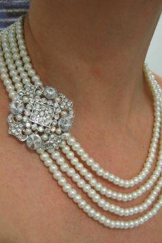 best necklace for v neck wedding dress on v