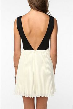 KNT By Kova & T Sleeveless Windsor Dress, $89