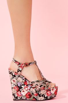 Rosie platform wedge