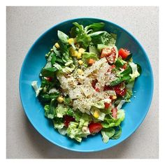 Delicious Hemp Seed Salad by @norakohler is perfect for lunch time. Full of protein fiber and essential fatty acids.