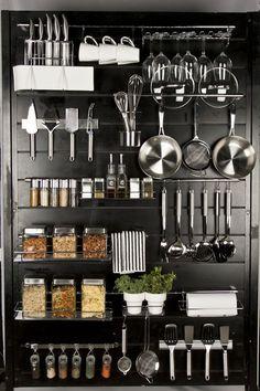 24 Smart Kitchen Organization Ideas On A Budget Smart Kitchen, Kitchen Pantry, New Kitchen, Kitchen Dining, Kitchen Decor, Kitchen Stuff, Kitchen Ideas, Kitchen Pegboard, Kitchen Worktop