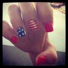 "In celebration of our country's independence, flaunt your patriotic side in a stylish way with these nail designs. We're all lucky and proud to be Americans and nothing says ""I Love My Country"" more than displaying it on the busiest part of your body—your hands! Have fun with these nail designs and let your American …"