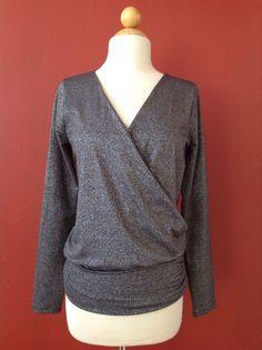 WHITE HOUSE BLACK MARKET Gray Metallic Knit Top Size XS #WhiteHouseBlackMarket #KnitTop