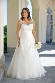 Looking for a plus size wedding dress? Ladybird Plussize collection offers sexy and elegant plus size wedding dresses in various designs and colours Western Wedding Dresses, Lace Wedding Dress, Wedding Dresses For Sale, Bridal Dresses, Plus Size Wedding Gowns, Plus Size Gowns, Plus Size Maternity Dresses, Curvy Bride, Curvy Dress