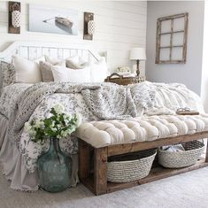 Charming Rustic Bedroom Ideas and Designs - Bedroom . Charming Rustic Bedroom Ideas and Designs - Bedroom . - Marvelous 25 Awesome Shabby Chic Apartment Living Room Design And Decor Ideas Farmhouse Master Bedroom, Master Bedroom Design, Home Bedroom, Modern Bedroom, Contemporary Bedroom, 1930s Bedroom, Bedroom Designs, Bedroom Apartment, Bedroom Couch