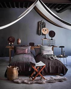 Gravity Home — Warm styling by Cleo Scheulderman & photos by. Home Interior, Interior Decorating, Interior Design, Interior Styling, Bedroom Color Schemes, Bedroom Colors, Dark Interiors, Colorful Interiors, Dispositions Chambre