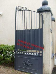 Portail en fer (peinture au pinceau, réalisé par le client) Security Gates, Saumur, Laque, Entrance Gates, Client, Decoration, Entryway, Tours, Outdoor Structures