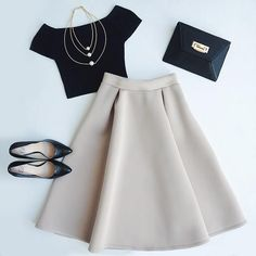 Tres Sophisticated Beige Midi Skirt - *f a s h i o n - Mode Teen Fashion Outfits, Classy Outfits, Look Fashion, Chic Outfits, Fashion Dresses, Hipster Fashion, Fashion Clothes, Blue Skirt Outfits, Full Skirt Outfit