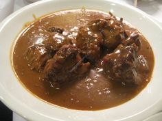 Carbonnade flamande au thermomix de Vorwerk World's Best Food, A Food, Food And Drink, Flemish Beef Stew Recipe, Casserole Dishes, Casserole Recipes, Cooking Time, Coco, Yummy Food