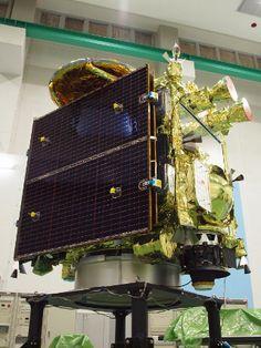 「はやぶさ2」の打ち上げ日時はまだ発表されていないが、今年の冬頃になる予定だ。打ち上げ後は、まず約1年後に地球スイング・バイを実施して加速し、2018年の6、7月頃に1999 JU3に到着する。そこで探査活動を行い、2019年11、12月頃に帰路に就く。地球への帰還は、今から約6年後の、2020年11、12月頃になる予定だ。