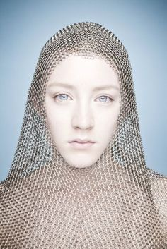 Saoirse Ronan (Barry McCall photographer) - Women Dresses for Every Age! S Ronan, Chainmail Armor, Jeanne D'arc, Joan Of Arc, Young Actresses, Foto Art, Richard Avedon, Chain Mail, Annie Leibovitz
